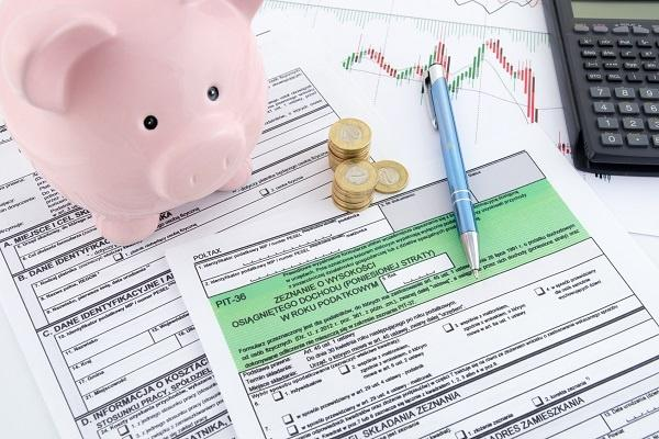 Polskie formularze podatkowe z kalkulatorem i skarbonką